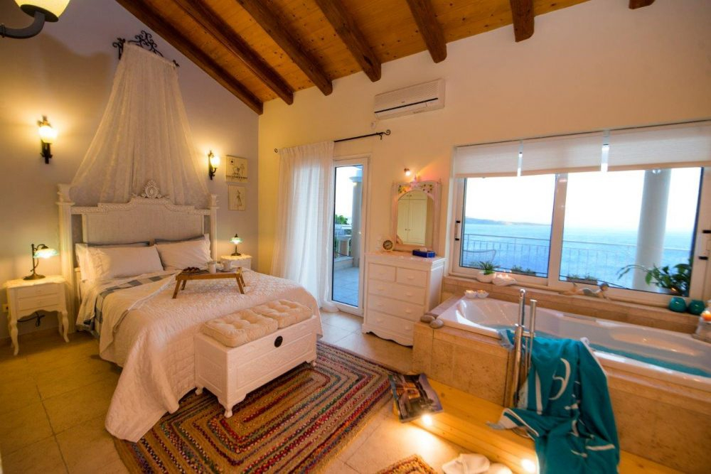 18-master-bedroom-with-jacuzzi-1-copy-roula-rouva-corfu-real-estate