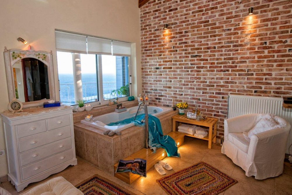 20-en-suit-master-bedroom-the-jacuzzi-3-copy-roula-rouva-corfu-real-estate