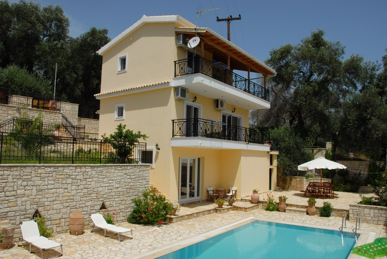php-1222-1-roula-rouva-corfu-real-estate