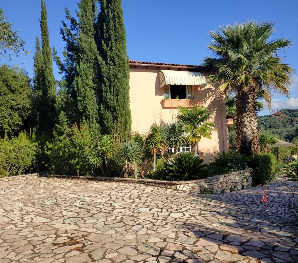 img-2-roula-rouva-corfu-real-estate