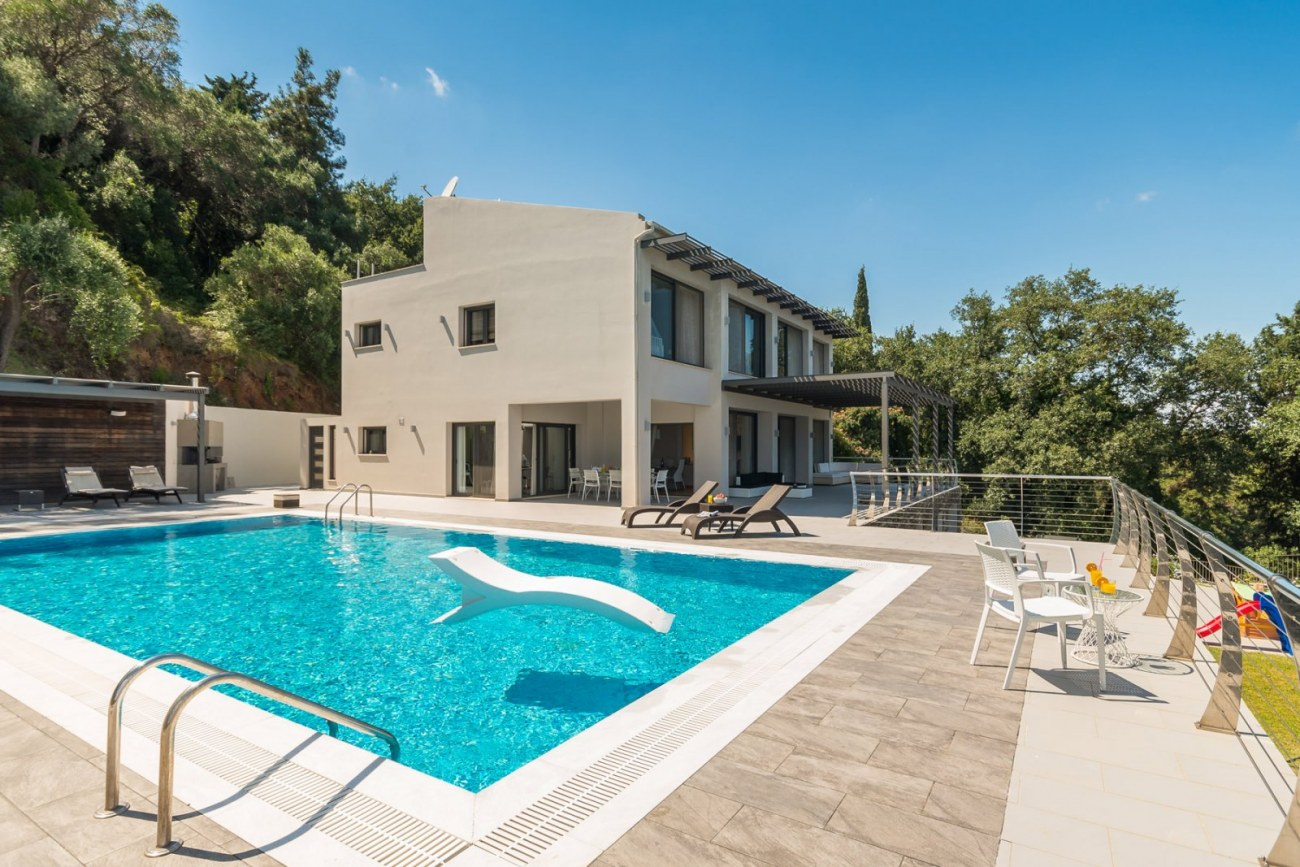 corfu-luxury-villa-pool-roula-rouva-corfu-real-estate