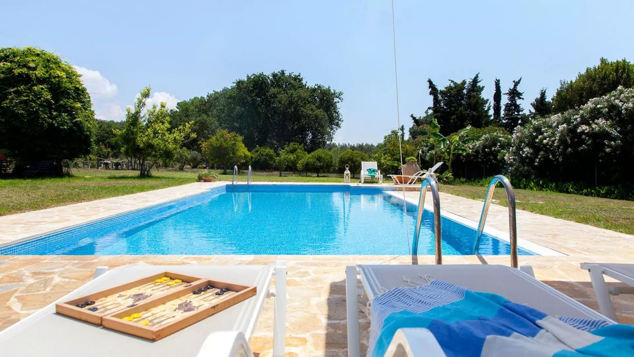 villa-gaia-halikouna-pool-corfu-roula-rouva-corfu-real-estate