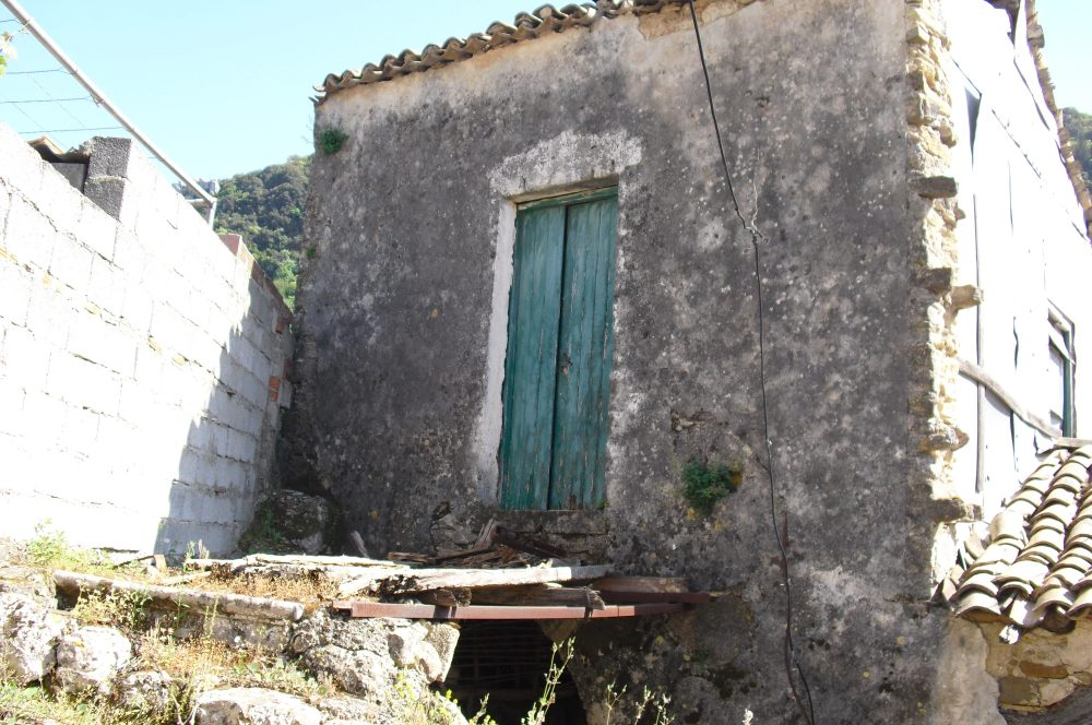 rr149-entrance-to-lhs-property-roula-rouva-corfu-real-estate
