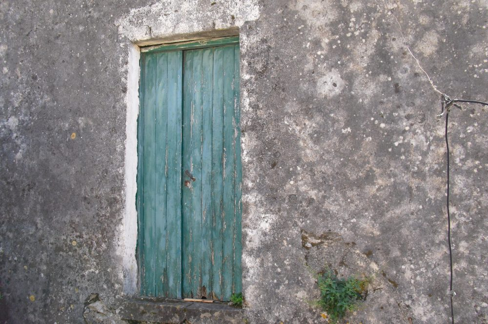 rr149-lhs-property-front-door-roula-rouva-corfu-real-estate